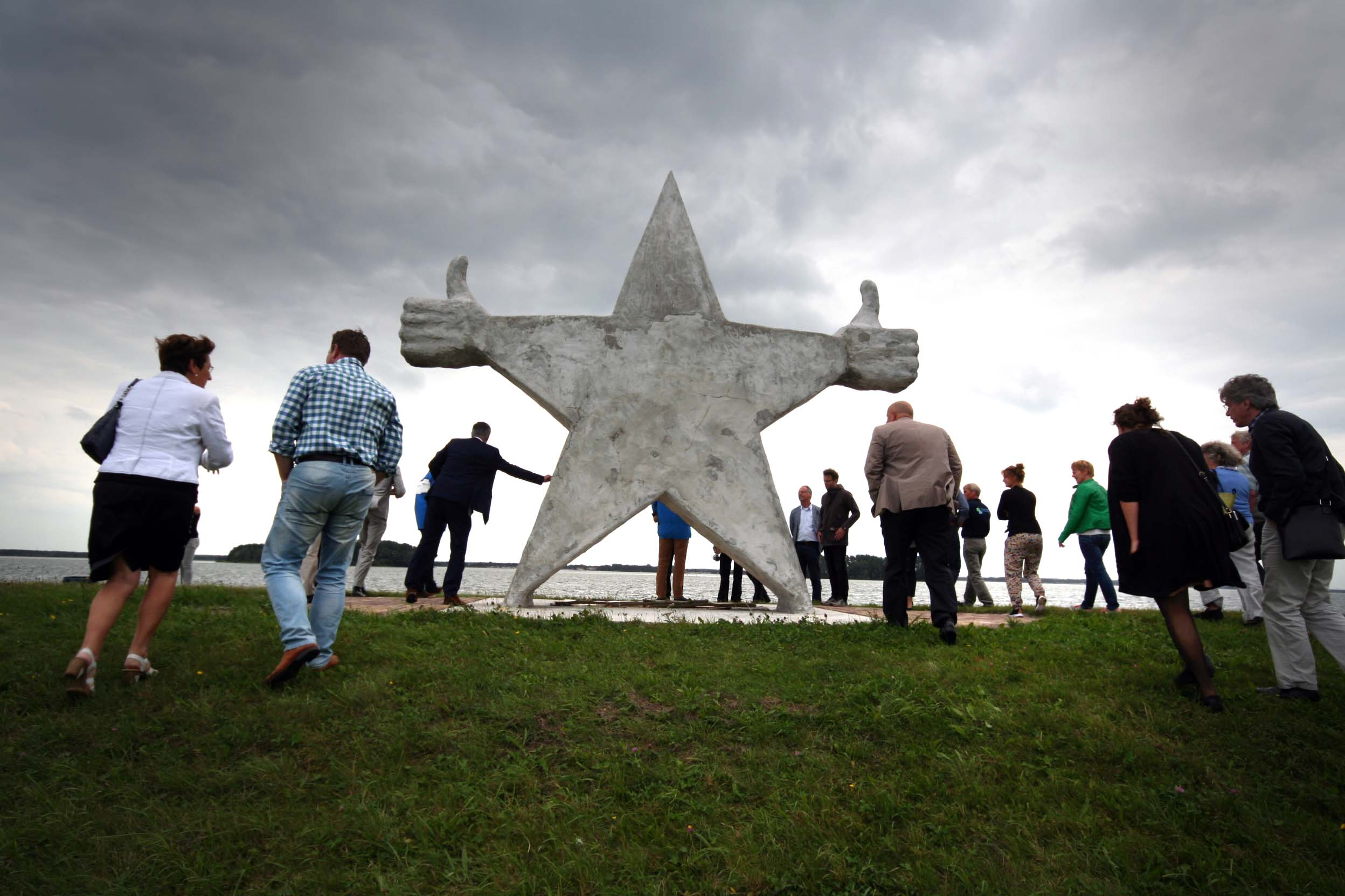 Het Monument voor Prima Mensen
